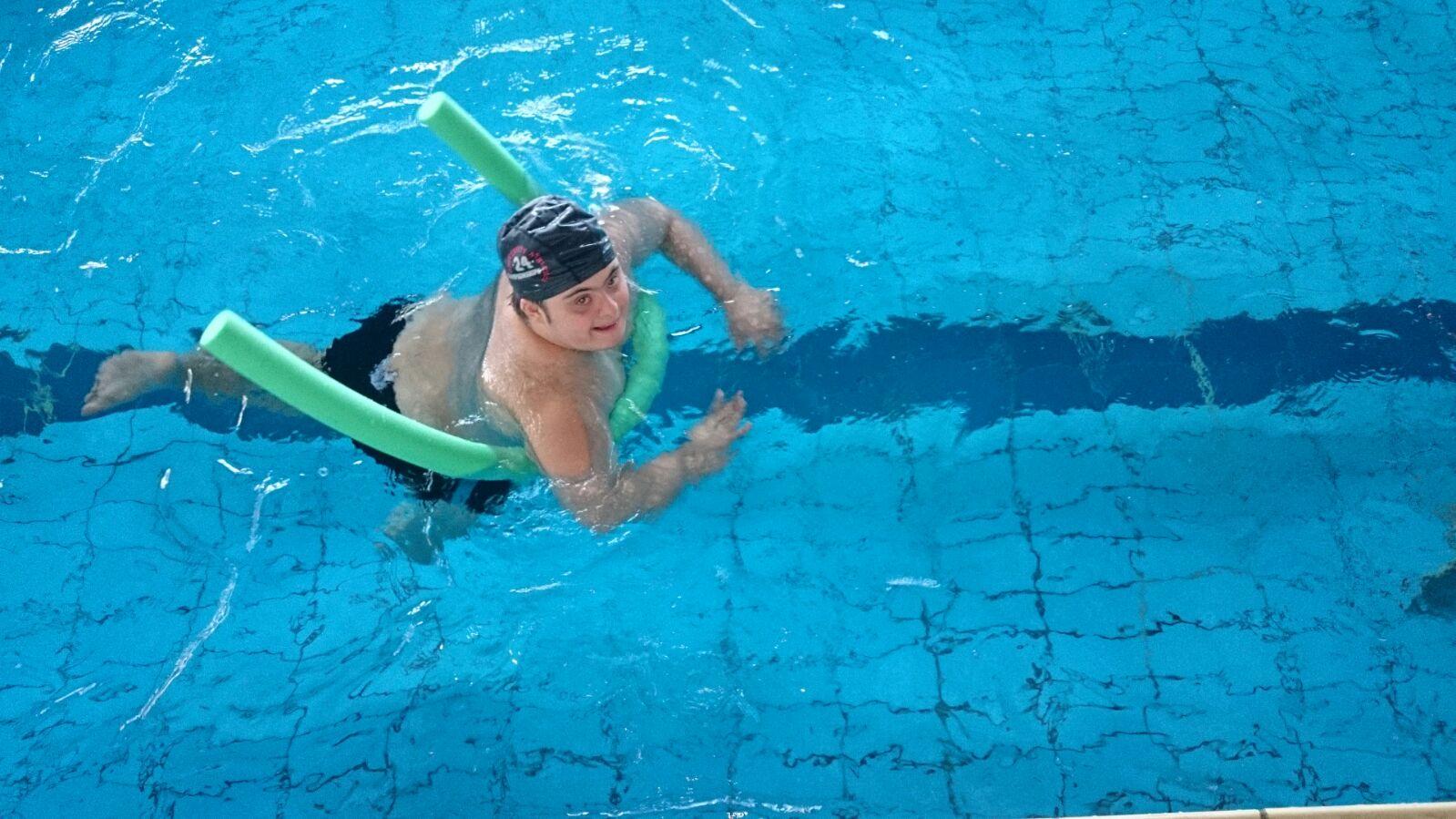 nuoto - progetto Con il corpo Conosco